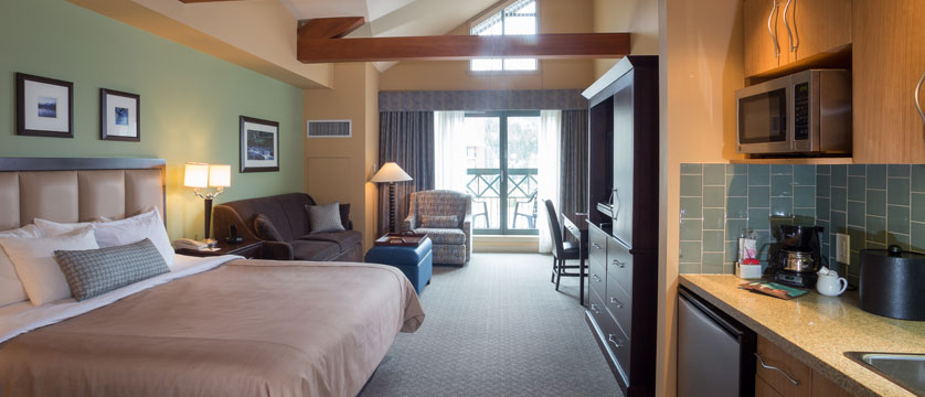 canada_whistler_crystal_lodge_deluxe_king_studio.jpg
